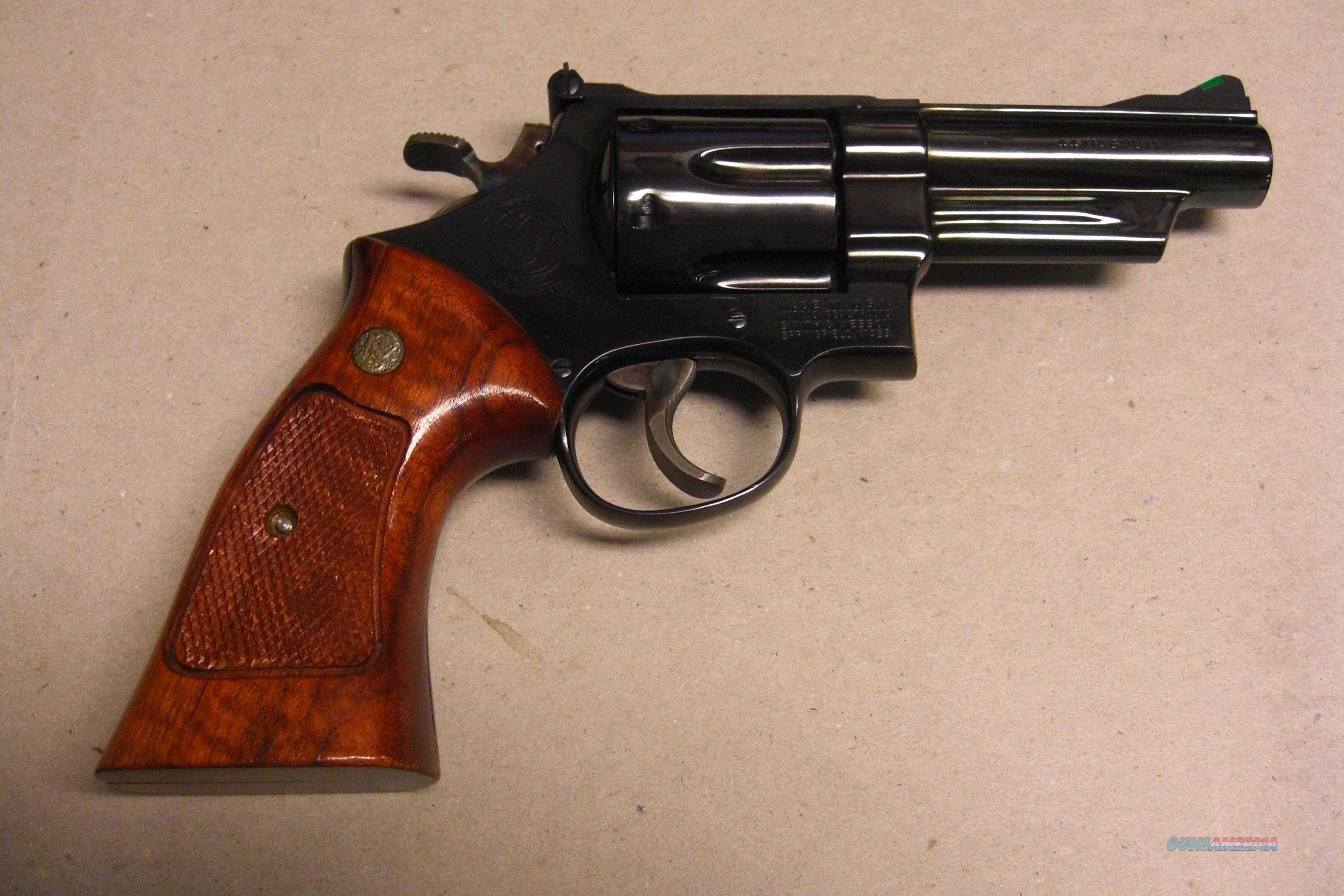 "Smith & Wesson 29-2 w/4"" pinned bbl., blued finish, ""like new""  Guns > Pistols > Smith & Wesson Revolvers > Full Frame Revolver"