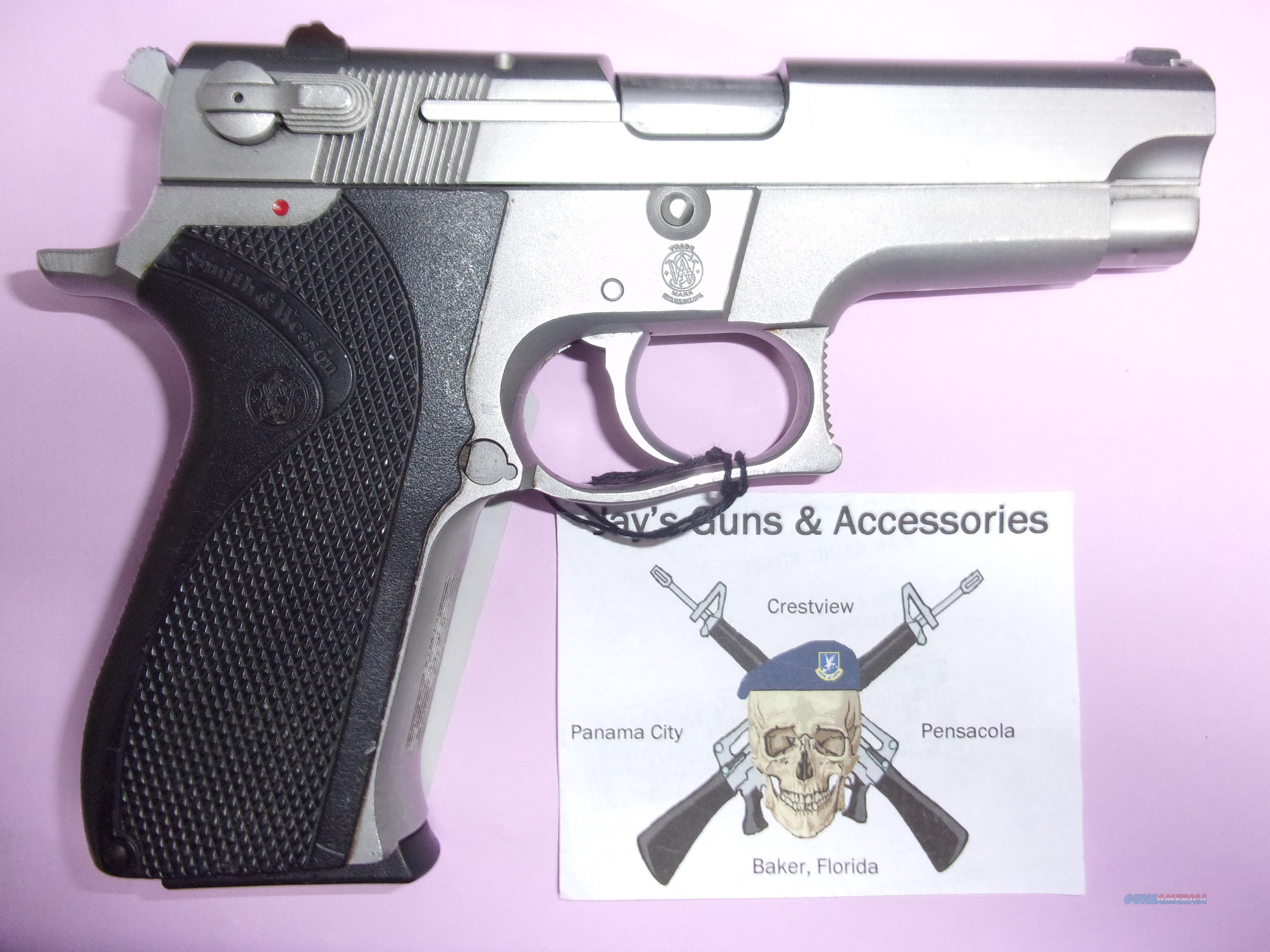 Smith & Wesson 5906  Guns > Pistols > Smith & Wesson Pistols - Autos > Alloy Frame