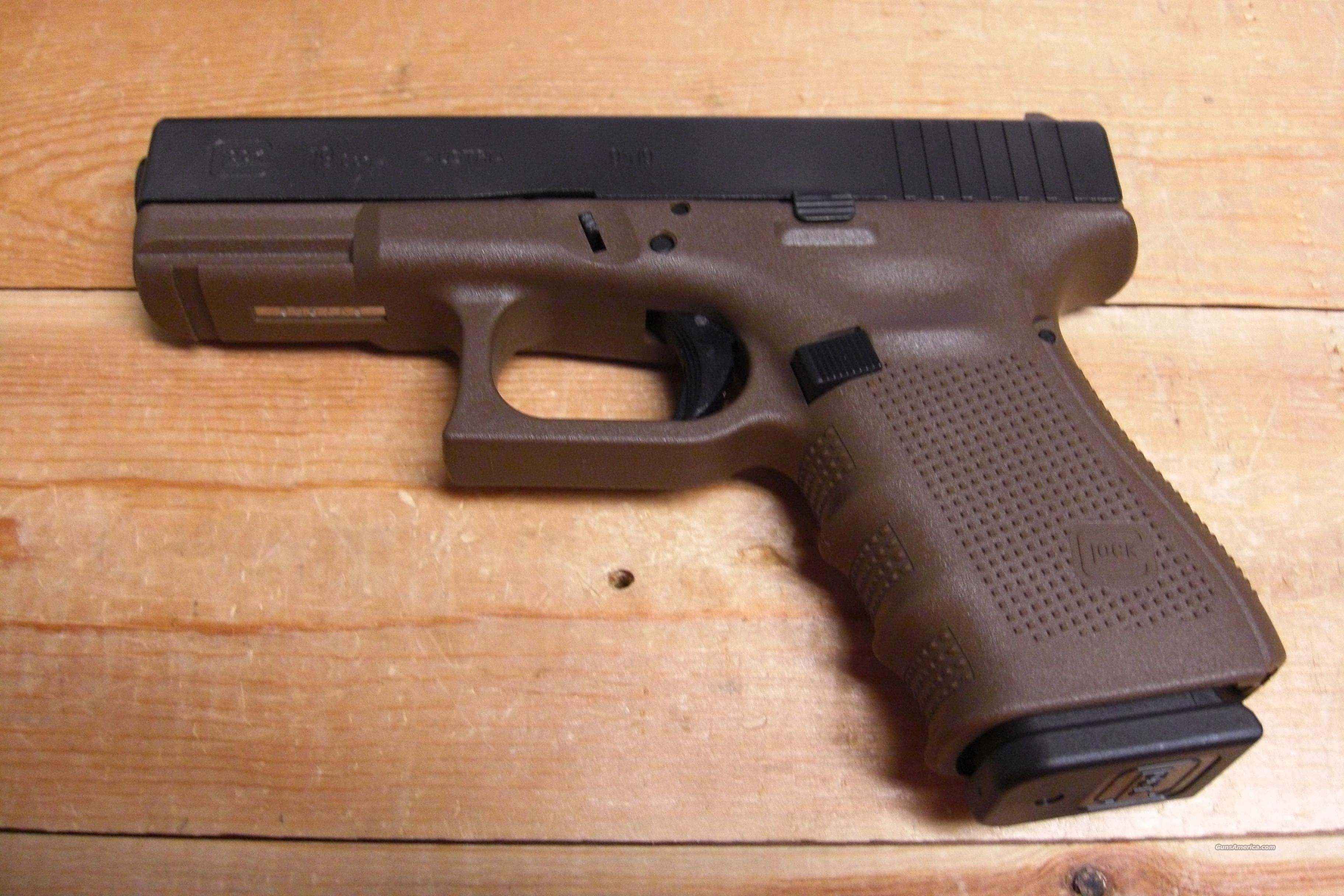 19 Gen 4, Flat dark earth finish, 3 15 rd. mags.  Guns > Pistols > Glock Pistols > 19