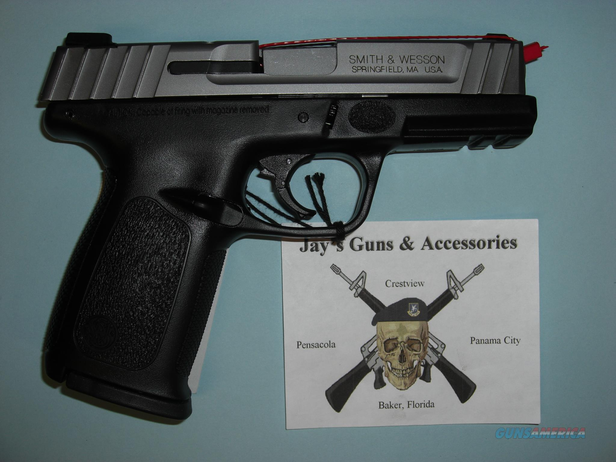 Smith & Wesson SD40VE w/2 14-Rd Mags  Guns > Pistols > Smith & Wesson Pistols - Autos > Polymer Frame