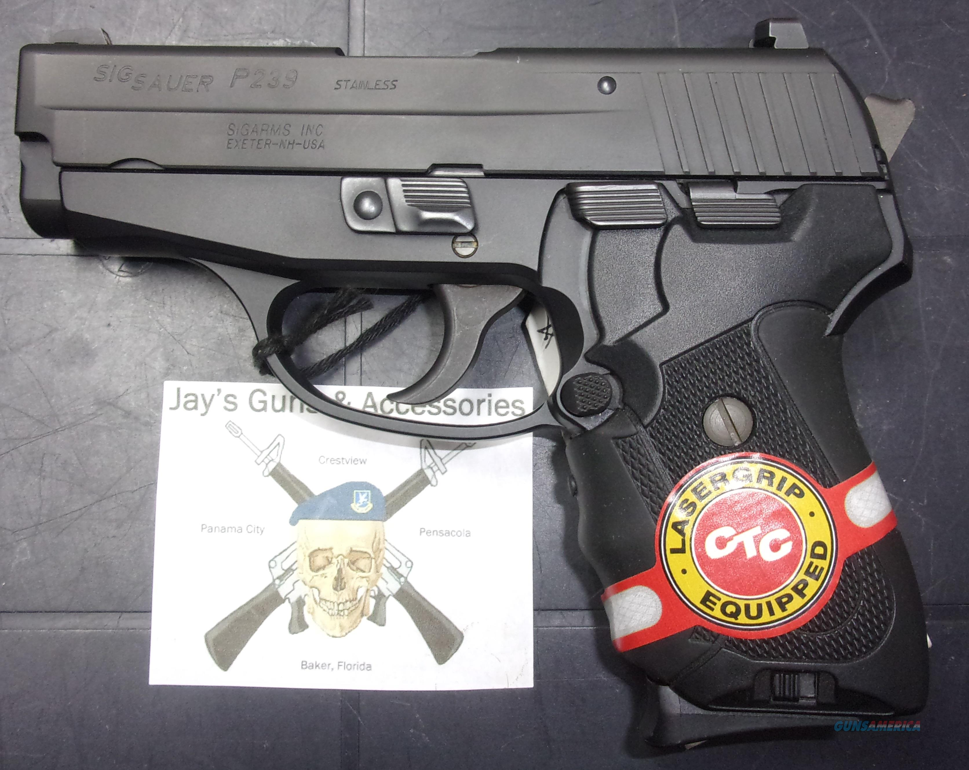 Sig Sauer P239 (239-40-BSS) w/Laser  Guns > Pistols > Sig - Sauer/Sigarms Pistols > P239