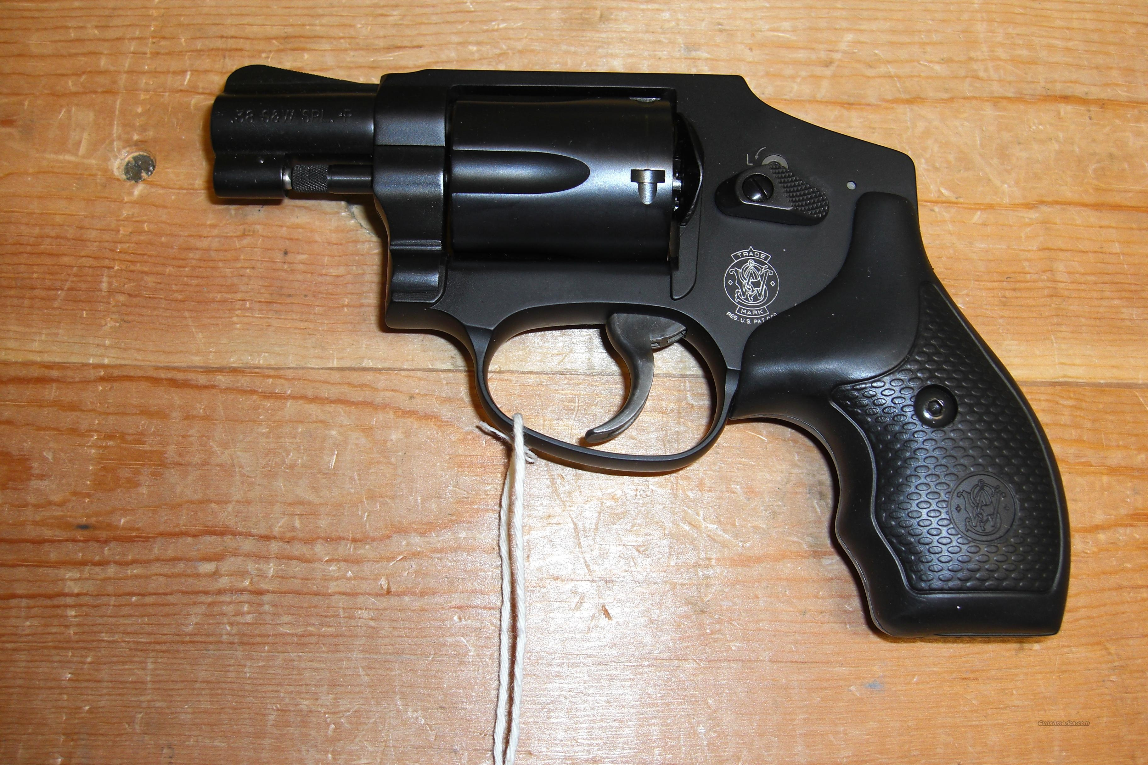 442-2  hammerless  Guns > Pistols > Smith & Wesson Revolvers > Pocket Pistols