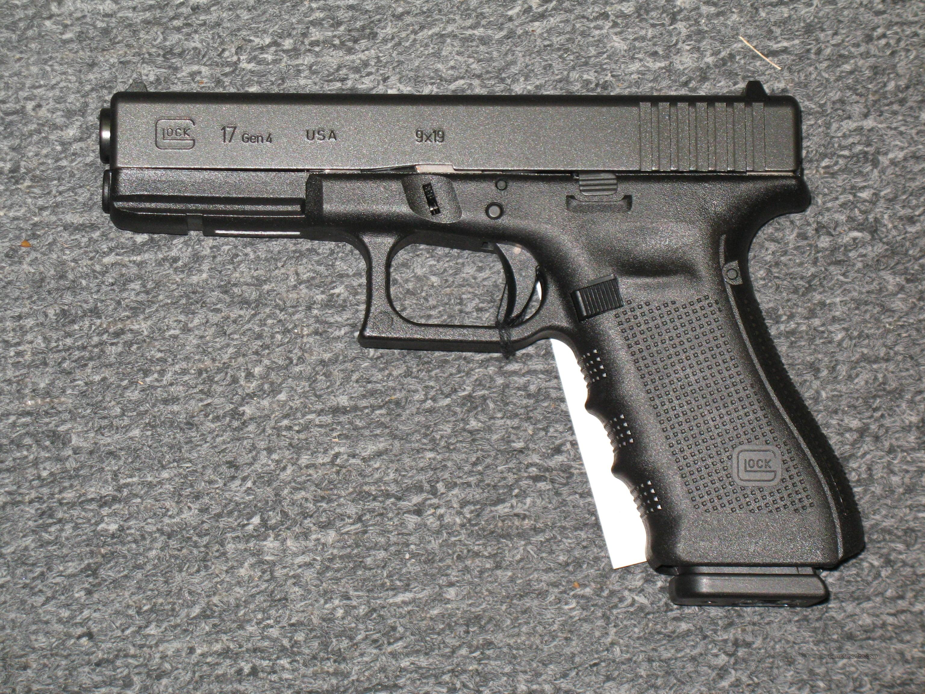 Glock 17 Gen 4 with three 17rnd mags  Guns > Pistols > Glock Pistols > 17