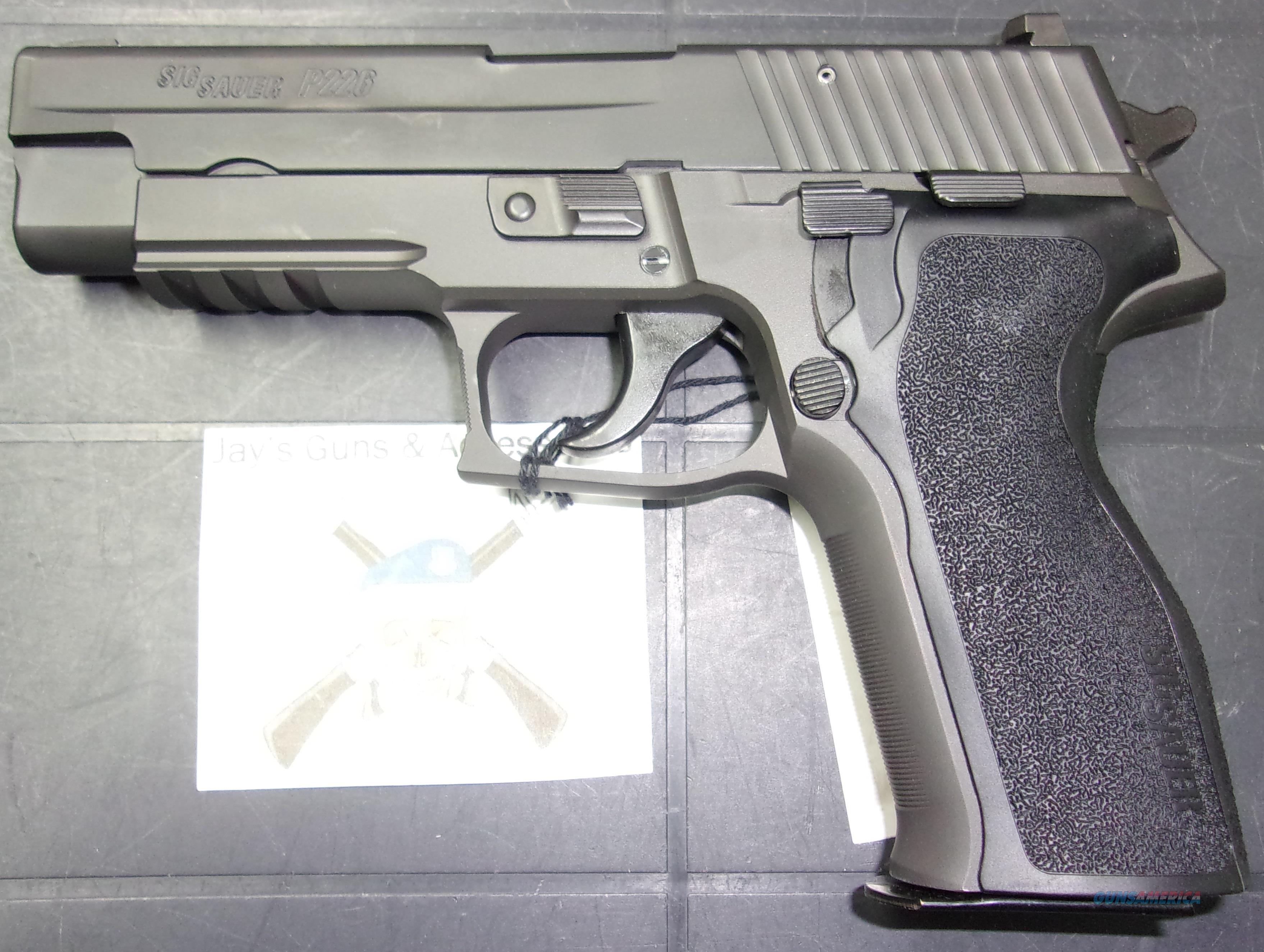Sig Sauer P226 (UDE226-357-B1)  Guns > Pistols > Sig - Sauer/Sigarms Pistols > P226