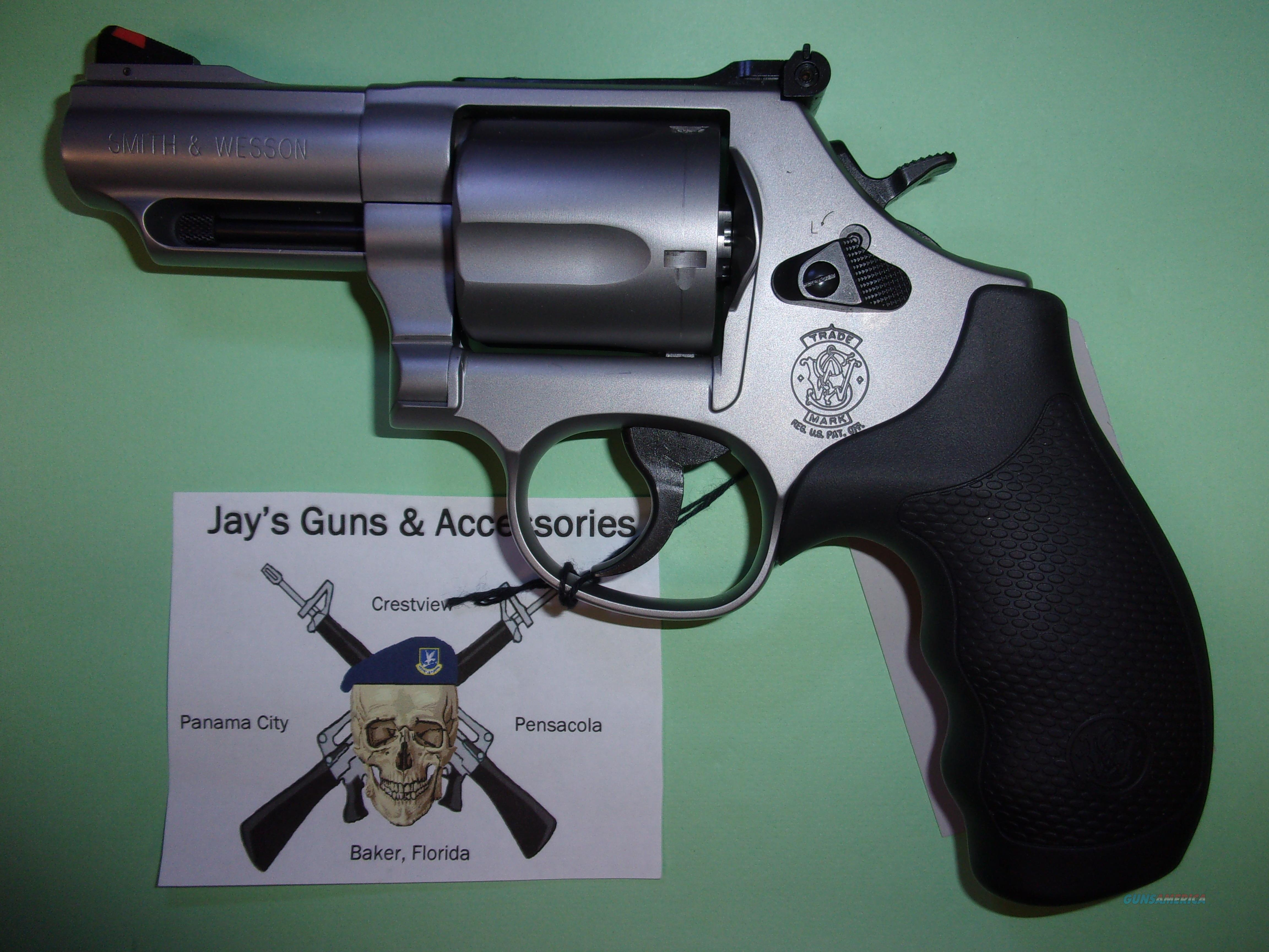 Smith & Wesson 69 (10064)  Guns > Pistols > Smith & Wesson Revolvers > Med. Frame ( K/L )