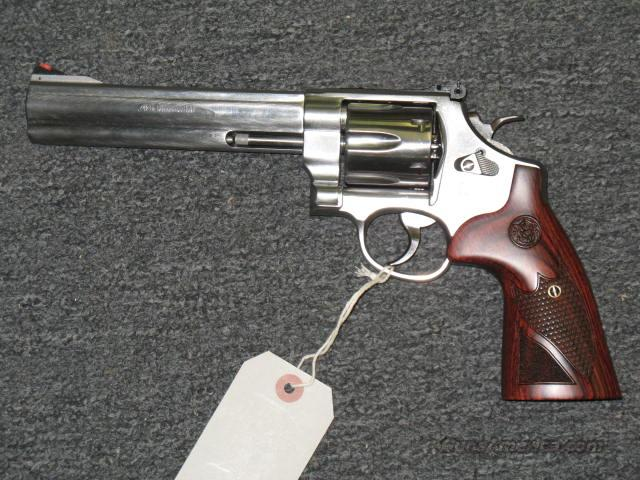 629-6  w/wood checkered grip  Guns > Pistols > Smith & Wesson Revolvers > Model 629