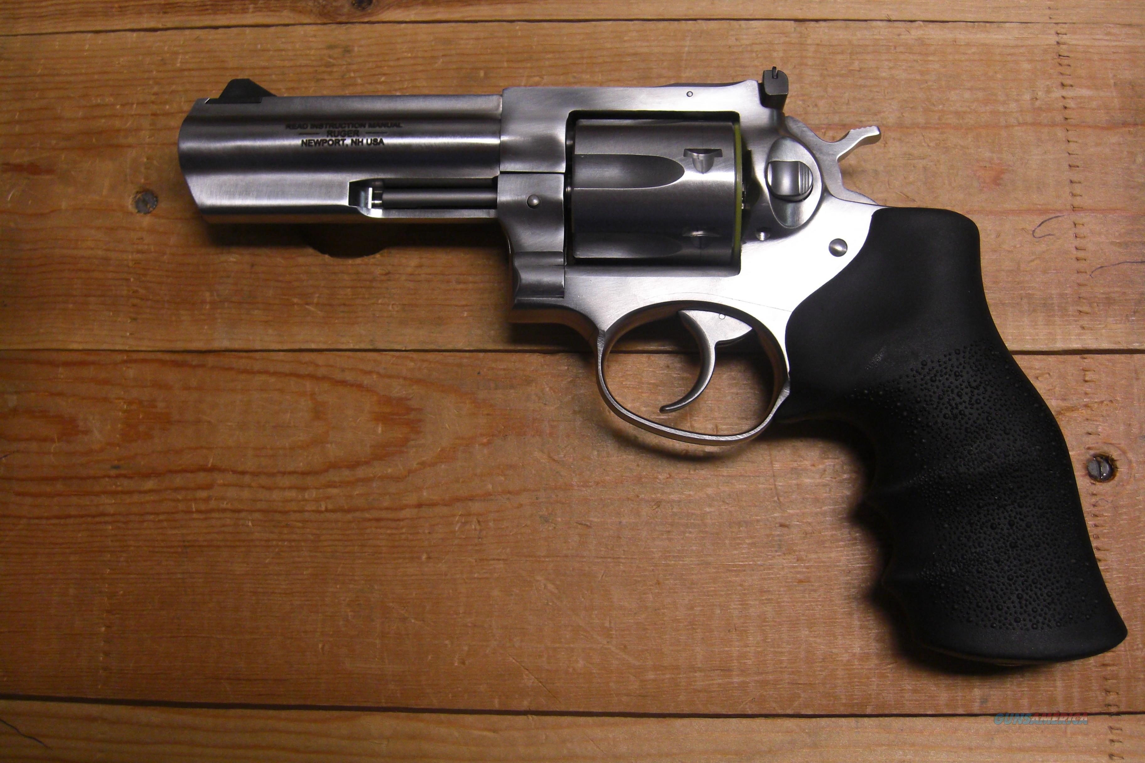 "Ruger GP 100 w/4"" heavy bbl., stainless  Guns > Pistols > Ruger Double Action Revolver > SP101 Type"