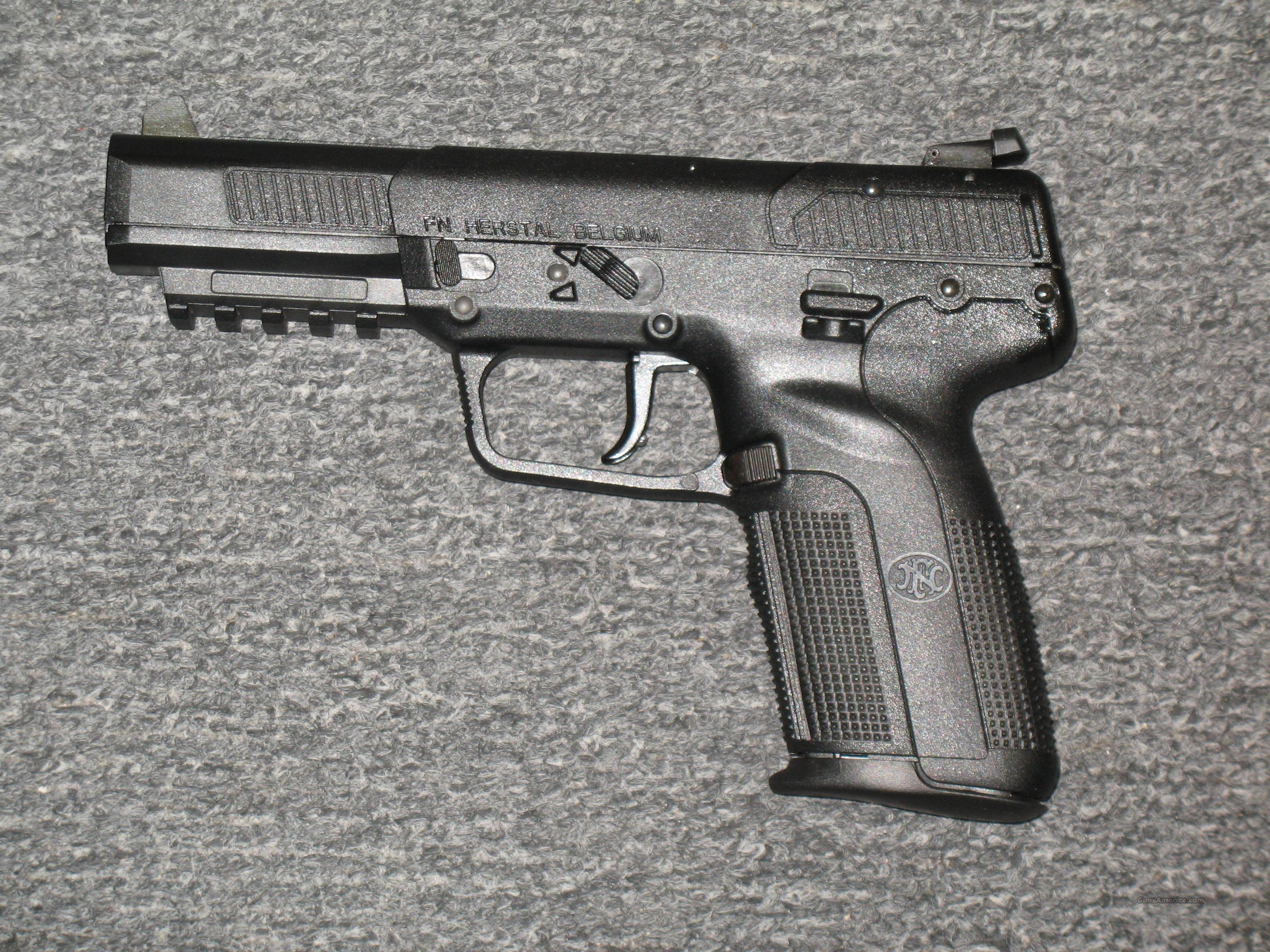 FNH Five Seven all black  w/3  20rnd mags  Guns > Pistols > FNH - Fabrique Nationale (FN) Pistols > FiveSeven