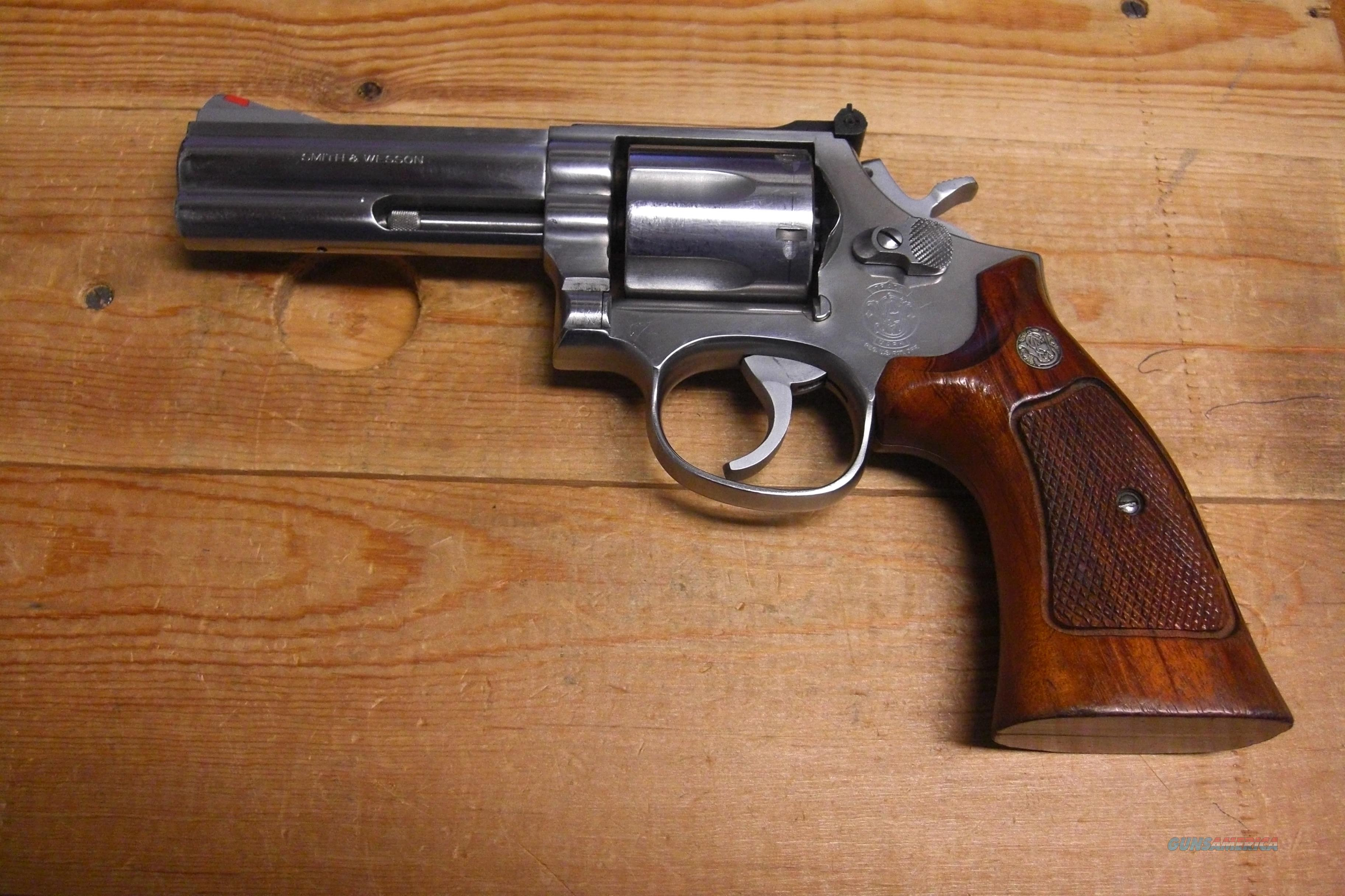 "Smith & Wesson 686 w/4"" bbl.  Guns > Pistols > Smith & Wesson Revolvers > Full Frame Revolver"