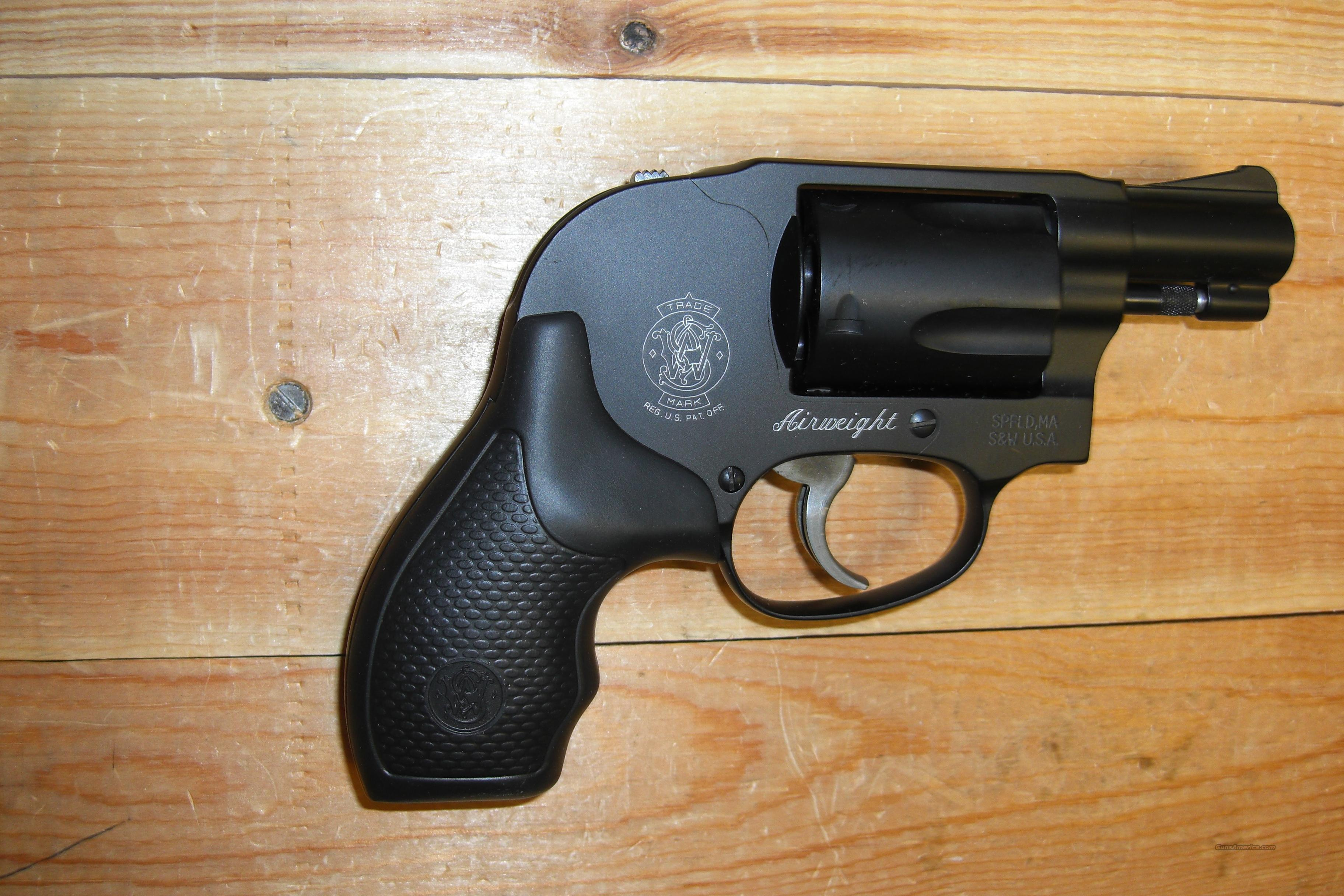 438 Airweight w/shrouded hammer  Guns > Pistols > Smith & Wesson Revolvers > Pocket Pistols
