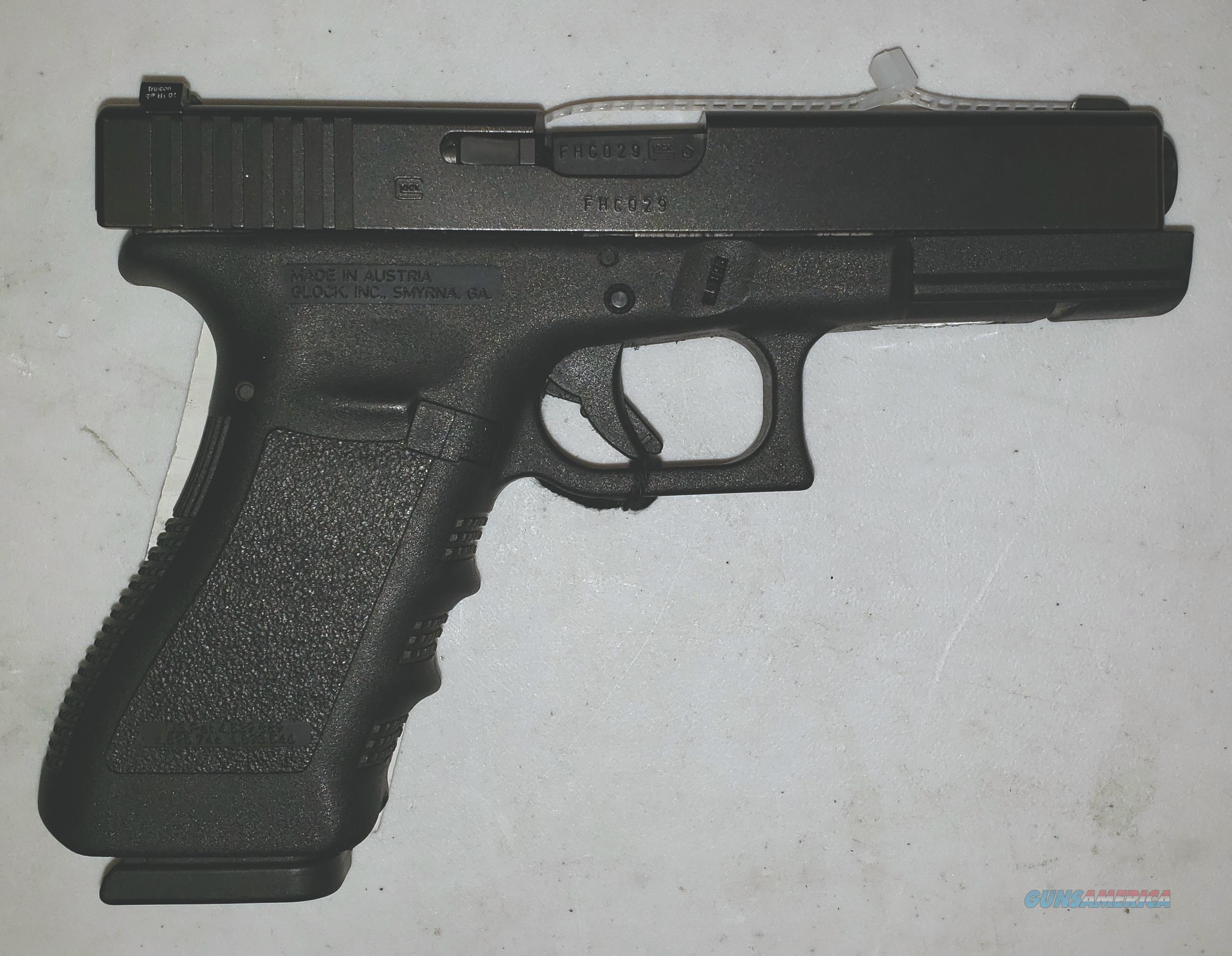 Glock 22 w/Night Sights  Guns > Pistols > Glock Pistols > 22