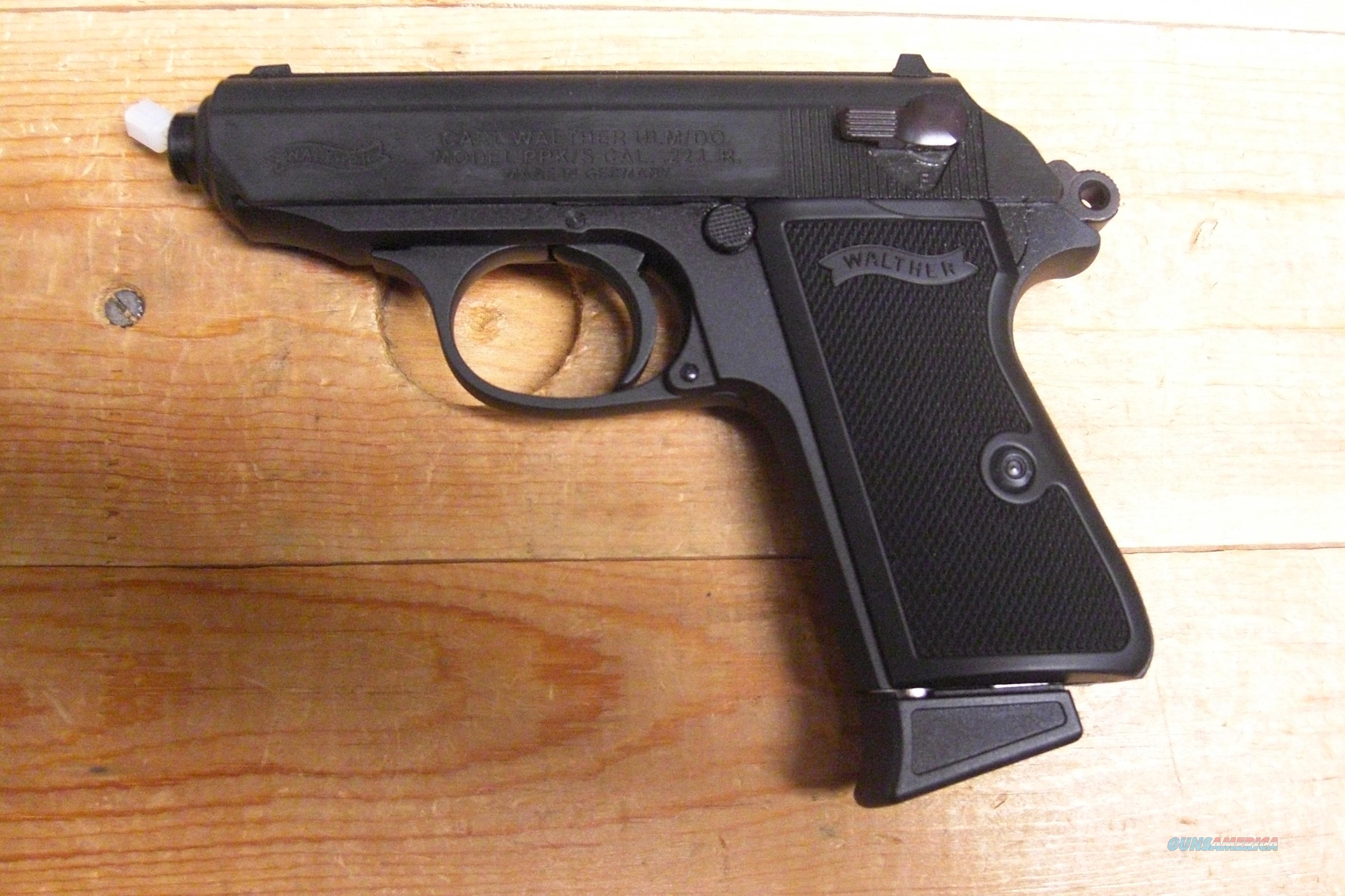 PPK/S  overall black finish  Guns > Pistols > Walther Pistols > Post WWII > PPK Series