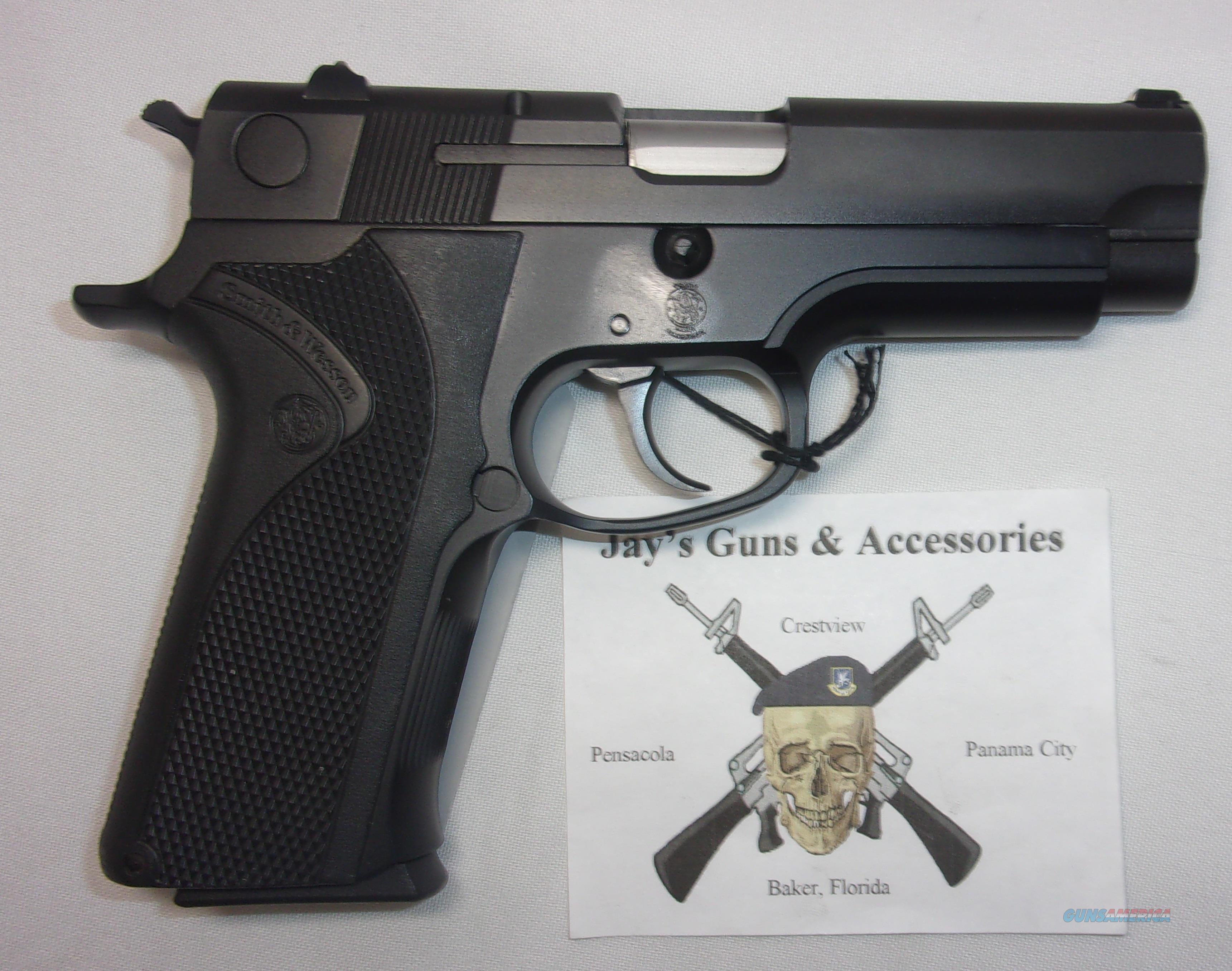Smith & Wesson 411  Guns > Pistols > Smith & Wesson Pistols - Autos > Alloy Frame
