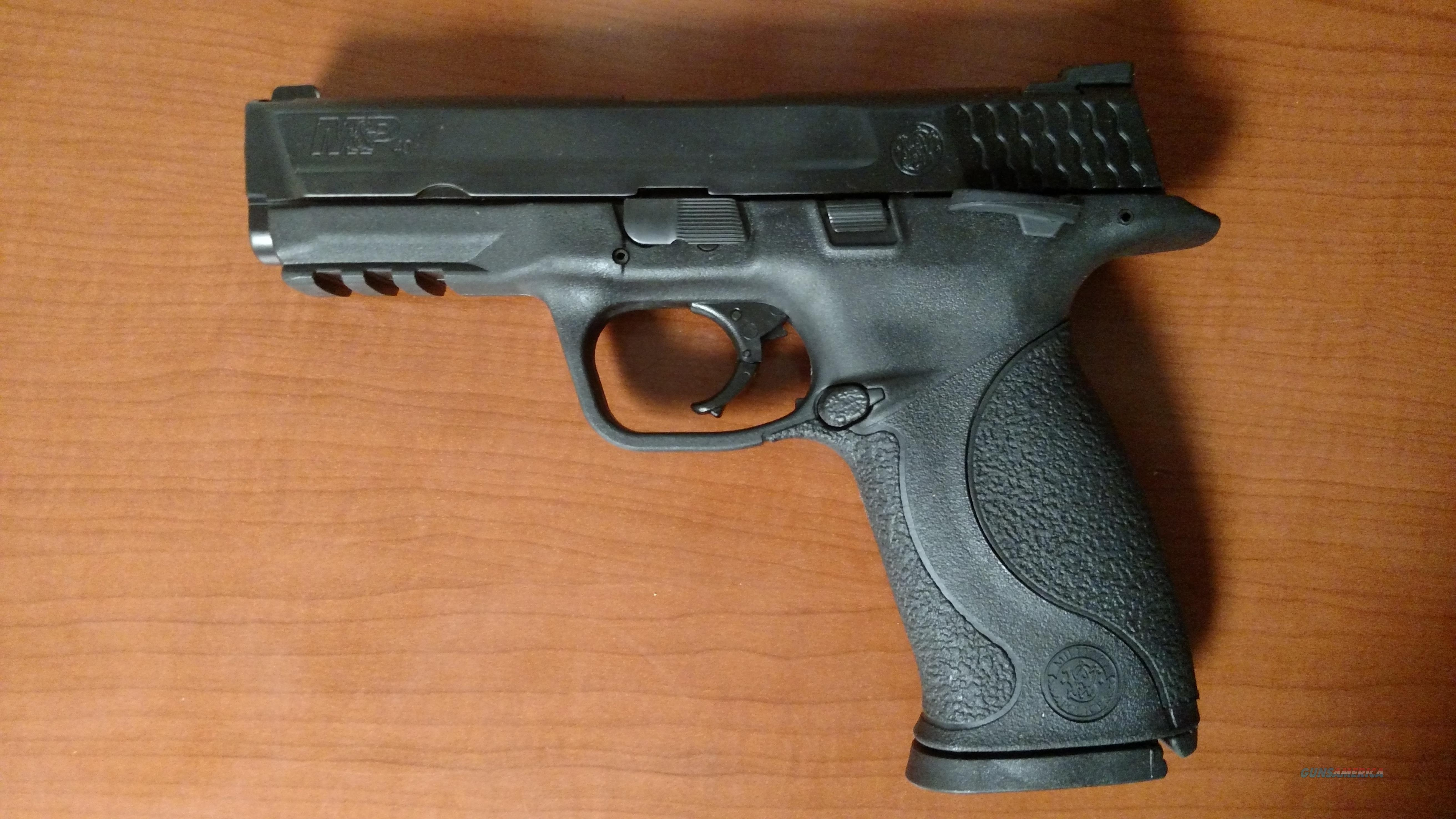 M & P 40 (full size, .40 s&w, thumb safety)  Guns > Pistols > Smith & Wesson Pistols - Autos > Polymer Frame