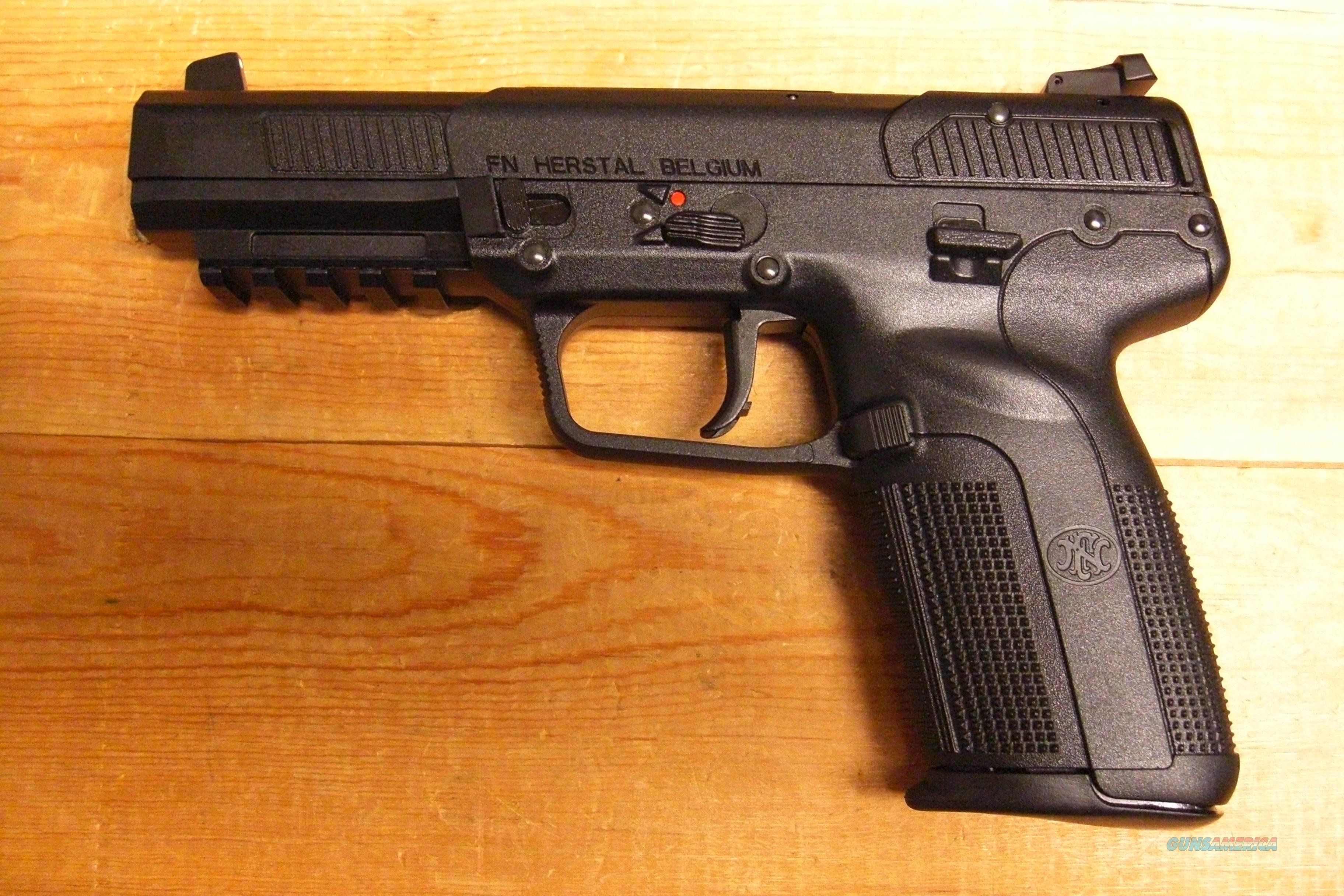 Five Seven w/black finish, 3  20 rnd mags  Guns > Pistols > FNH - Fabrique Nationale (FN) Pistols > FiveSeven