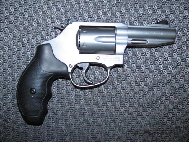 632-1 (.327 Federal Magnum)  Guns > Pistols > Smith & Wesson Revolvers > Full Frame Revolver