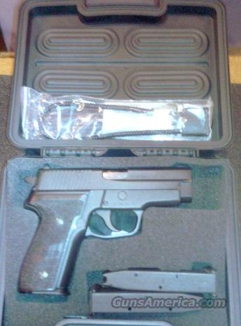 SIg P228 West German LIKE NEW 3 Sig Mags  Guns > Pistols > Sig - Sauer/Sigarms Pistols > P228