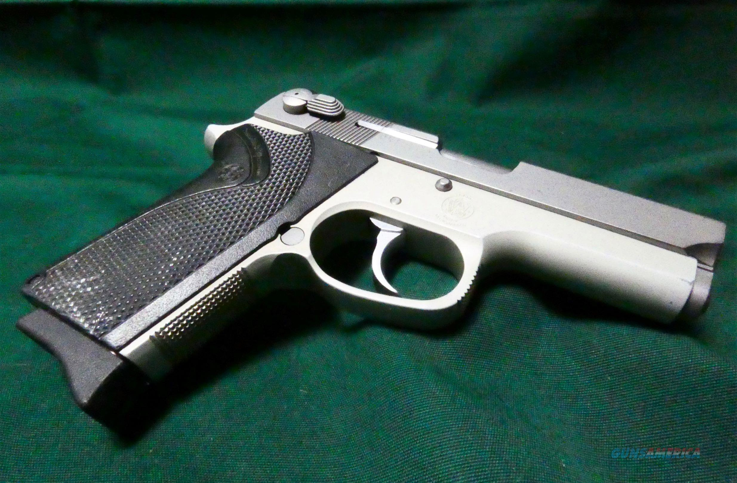 "Smith & Wesson Model 3913 9mm Stainless 3.5"" BBL  Guns > Pistols > Smith & Wesson Pistols - Autos > Alloy Frame"