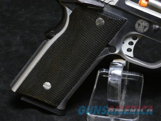 Smith & Wesson model 0945  Guns > Pistols > Smith & Wesson Pistols - Autos > Steel Frame