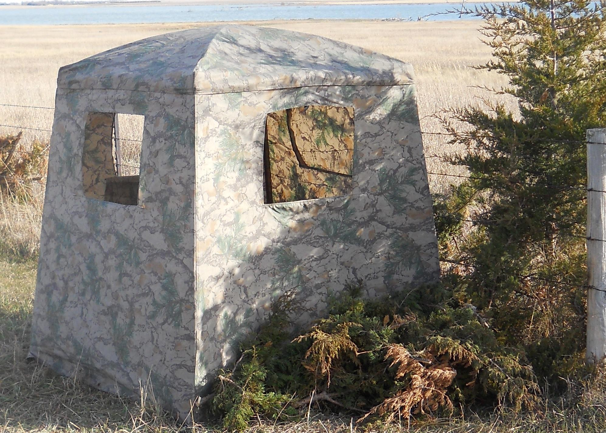 GROUND BLIND by EZ-UP CORP. - NATURAL CAMOUFLAGE  Non-Guns > Archery > Bows > Other