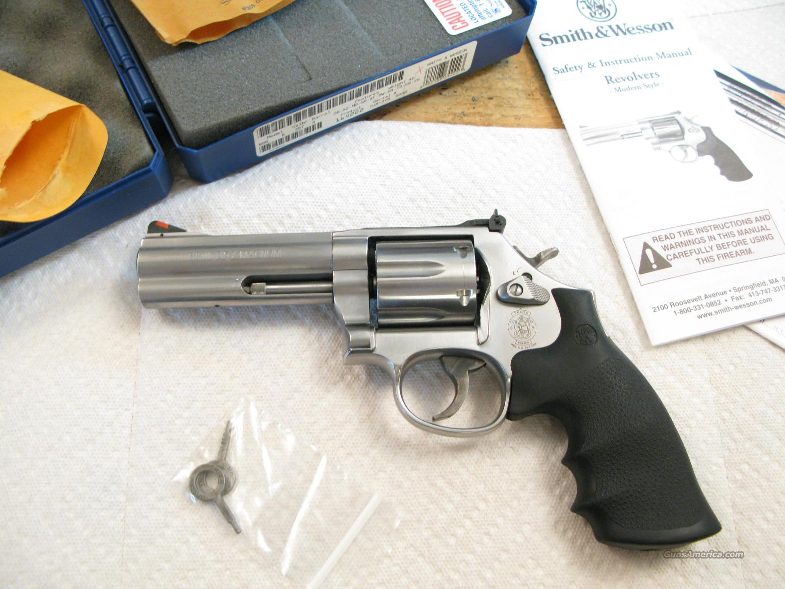 "M-686 4"" .357 Distinguished Combat Magnum   Guns > Pistols > Smith & Wesson Revolvers > Full Frame Revolver"