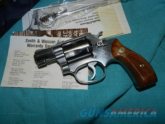 S&W MODEL 60 NO DASH WITH BOX, PAPERS  Guns > Pistols > Smith & Wesson Revolvers > Pocket Pistols