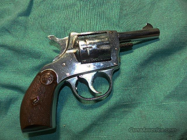 H&R 923 .22 NICKLE REVOLVER  Guns > Pistols > Harrington & Richardson Pistols