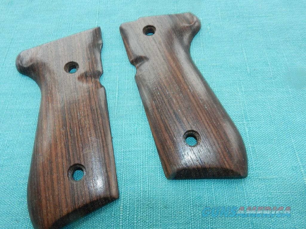 BERETTA MODEL92 WALNUT GRIPS  Non-Guns > Gunstocks, Grips & Wood
