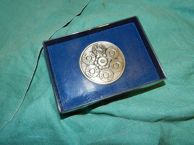 S&W BELT BUCKLE 1980 ORIGINAL  Non-Guns > Holsters and Gunleather > Other