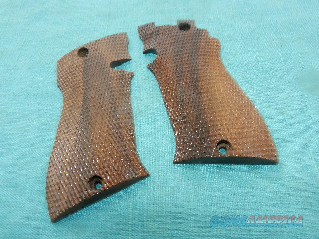 STAR MODEL FR .22 SPORT WALNUT GRIPS  Non-Guns > Gunstocks, Grips & Wood