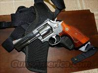 S&W 686-1 REVOLVER .357 WITH HOLSTER  Smith & Wesson Revolvers > Full Frame Revolver
