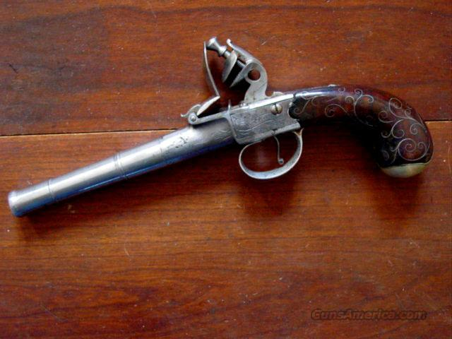 QUEEN ANNE CENTER HAMMER FLINT PISTOL  Guns > Pistols > Muzzleloading Pre-1899 Pistols (flint)