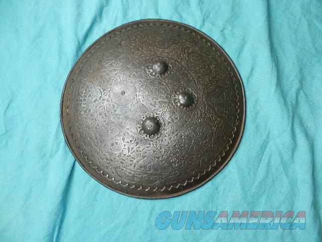 MOGUL FIGHTING SHIELD 200 TO 300 YEARS OLD  Non-Guns > Curios