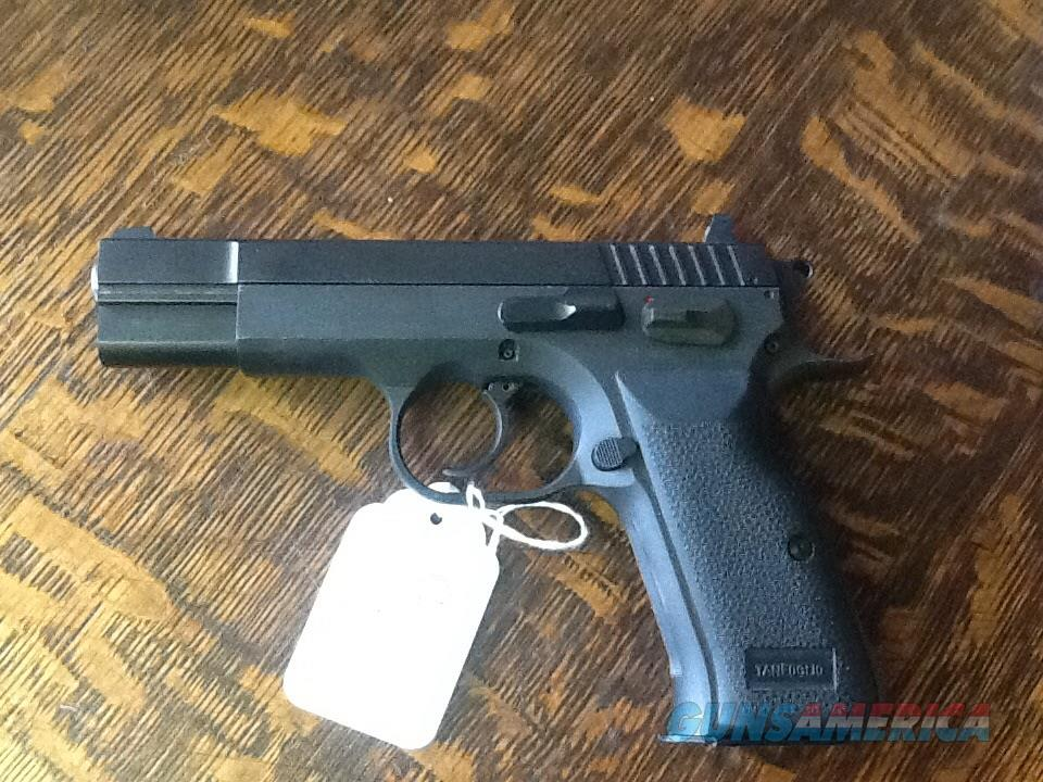 All steel EAA witness 40 cal.  3 dot sights 10 rd mag. Mint cond   Guns > Pistols > EAA Pistols > Other