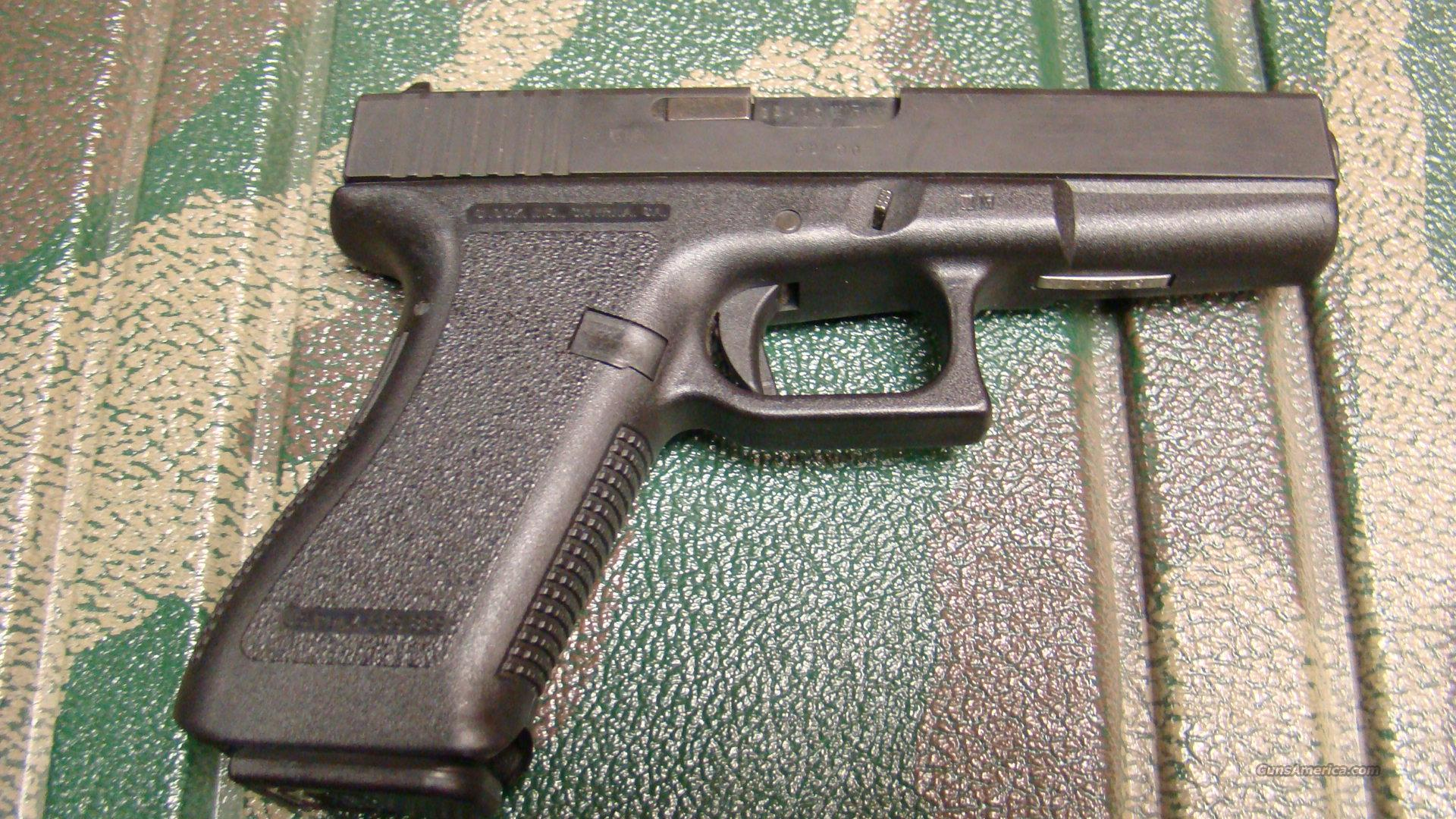 GLOCK 17 9MM EARLY MODEL MINT $$ CHEAP $$  Guns > Pistols > Glock Pistols > 17