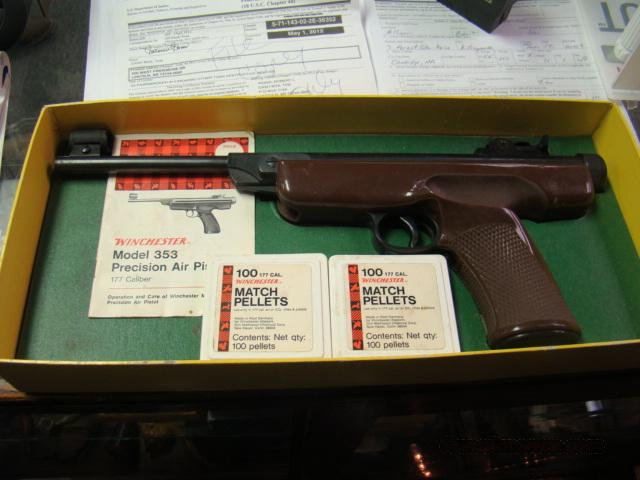 MINTY IN BOX  WINCHESTER MODEL 353 177 CAL AIR PELLET PISTOL  WITH ACCS.  Guns > Pistols > XYX Misc Pistols
