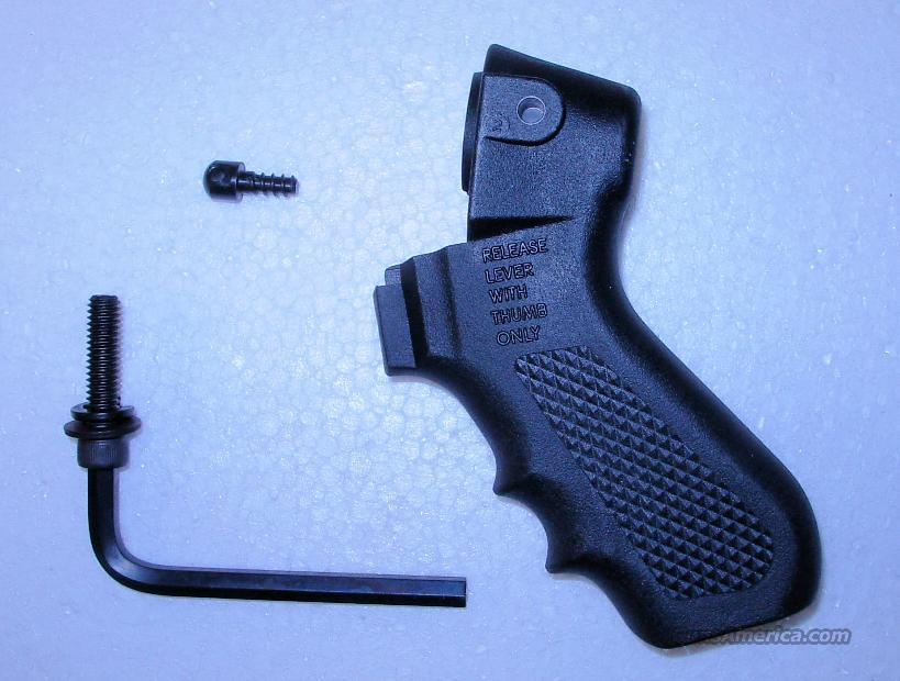 FACTORY PISTOL GRIP FOR MOSSBERG  ** $ 29.00 ** WITH FREE SHIPPING!!!! CREDIT CARD SAME AS CASH!!!!  Guns > Shotguns > Mossberg Shotguns > Pump > Sporting