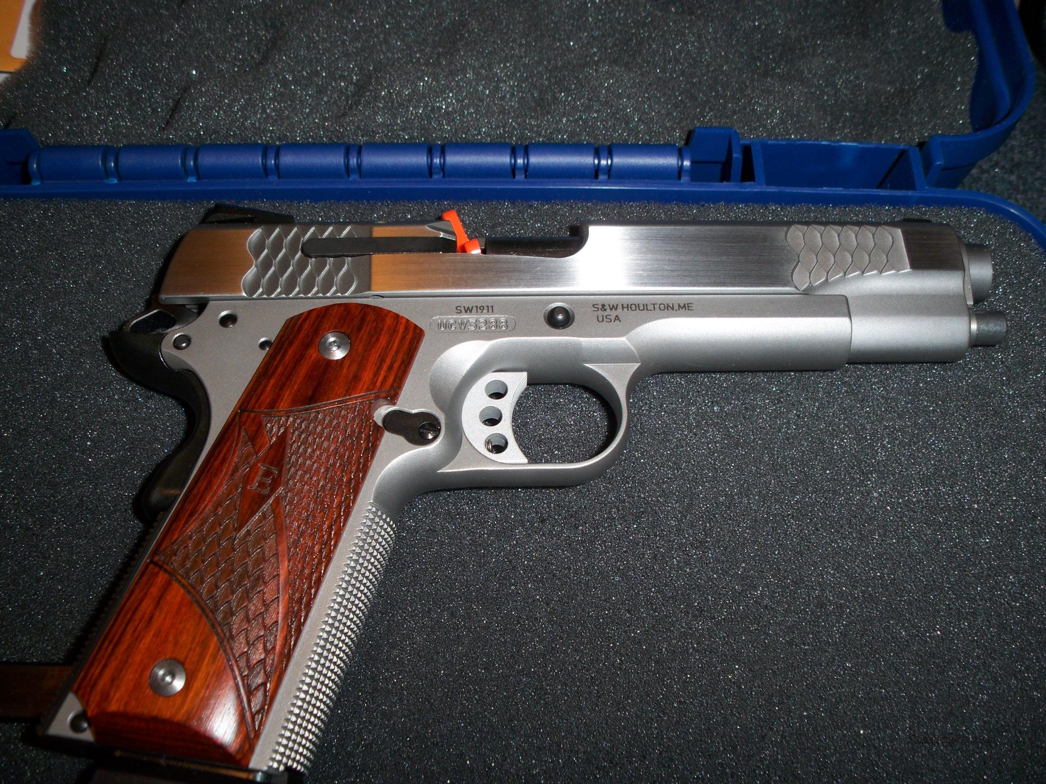 SMITH & WESSON 1911 E SERIES 45 ACP  Guns > Pistols > Smith & Wesson Pistols - Autos > Steel Frame