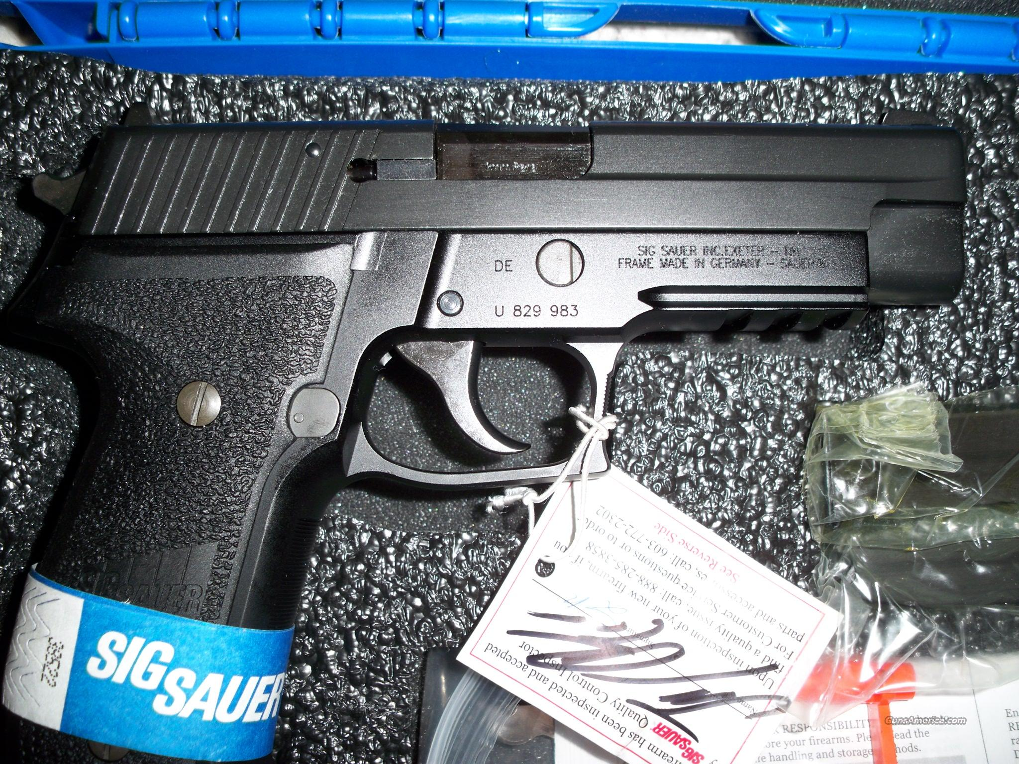 SIG P226 NAVY 9MM BLUE RAIL 3 15RD MAGS  Guns > Pistols > Sig - Sauer/Sigarms Pistols > P226