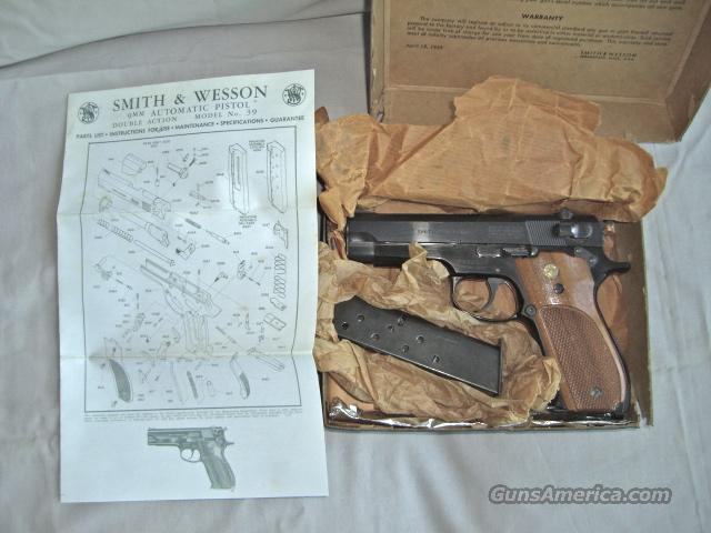 Smith & Wesson Model 39-2  Guns > Pistols > Smith & Wesson Pistols - Autos > Alloy Frame