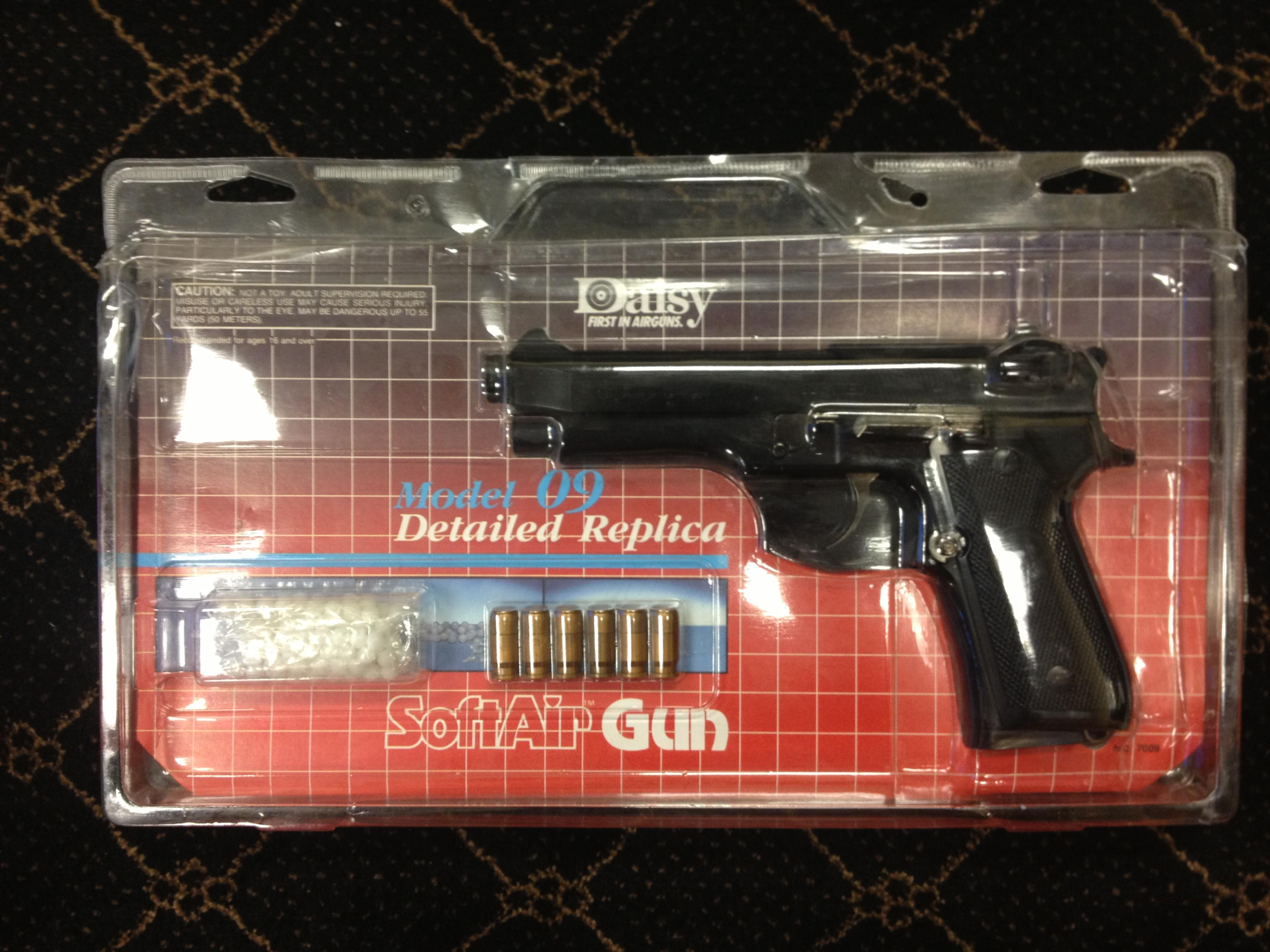 Daisy Model 09 Airsoft Pistol  Non-Guns > AirSoft > Pistols