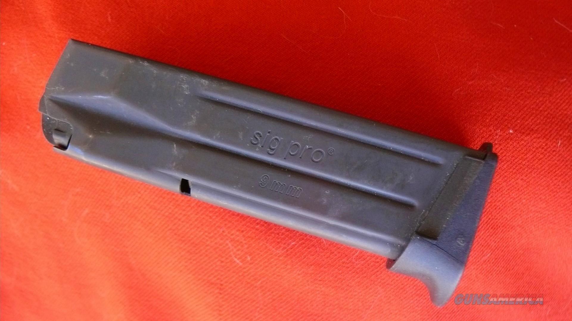 Original FACTORY 15 rd 9mm SIGPRO magazine  Sig Sauer 9mm Luger  Non-Guns > Magazines & Clips > Pistol Magazines > Sig