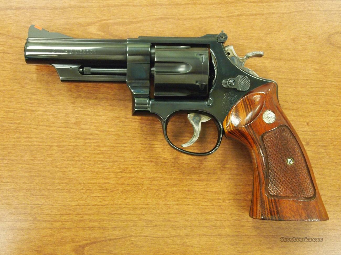 Smith & Wesson Model 25-9, .45 Colt  Guns > Pistols > Smith & Wesson Revolvers > Full Frame Revolver