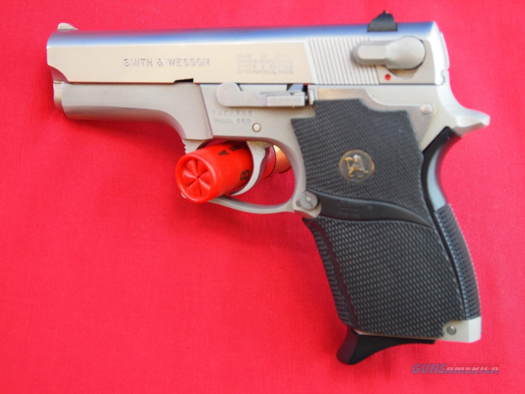 Smith & Wesson Model 669 9MM  Guns > Pistols > Smith & Wesson Pistols - Autos > Steel Frame