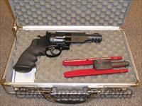 S&W M&P R8 327  Guns > Pistols > Smith & Wesson Revolvers > Performance Center