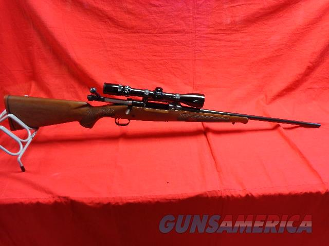WINCHESTER MODEL 70 FEATHERWEIGHT IN 257 ROBERTS  Guns > Rifles > Winchester Rifles - Modern Bolt/Auto/Single > Model 70 > Post-64