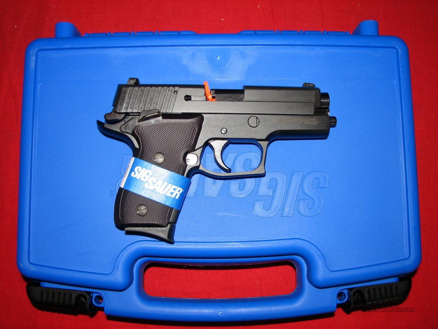 P220 Compact 45acp w/Night Sights  Guns > Pistols > Sig - Sauer/Sigarms Pistols > P220