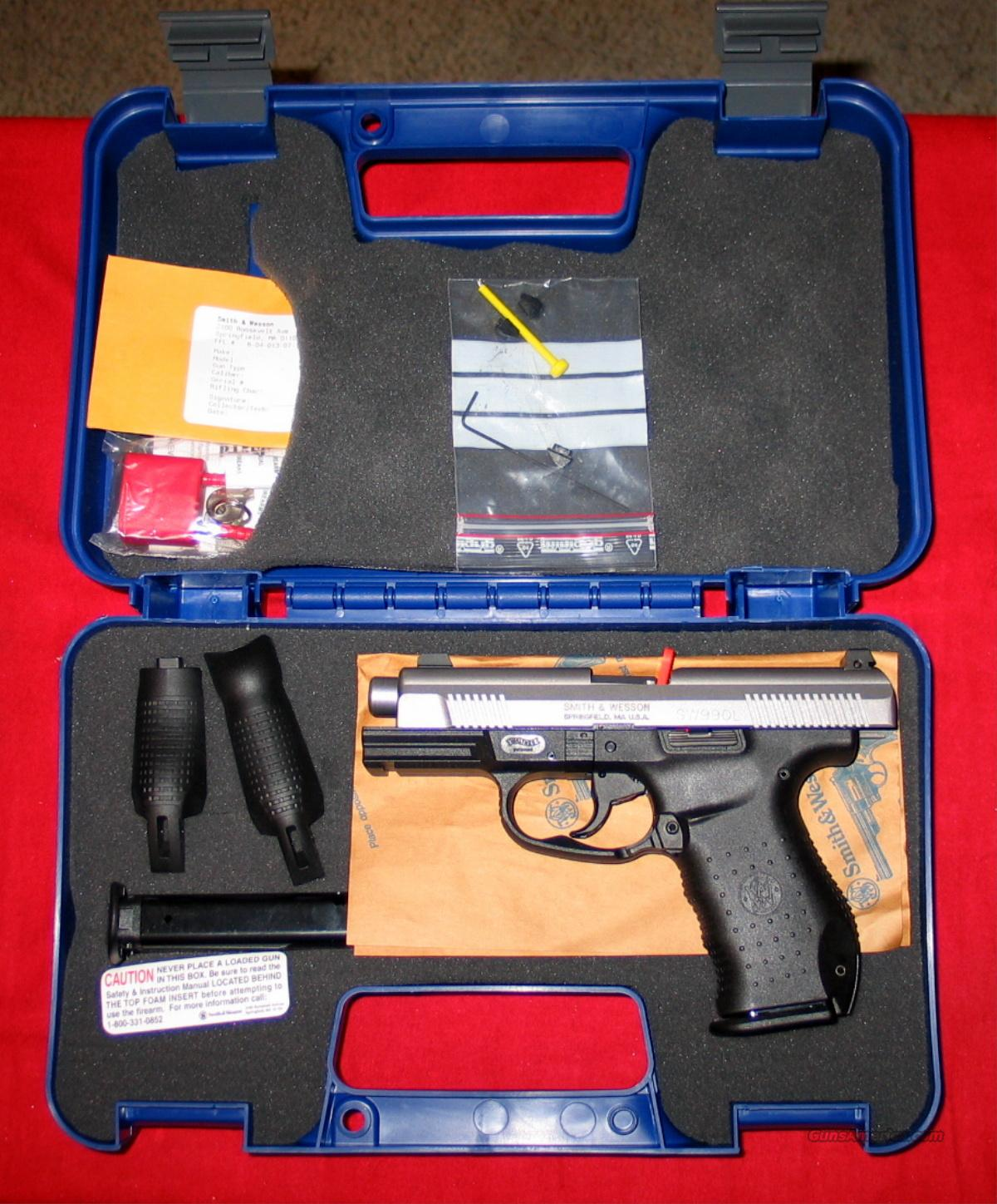 "990L w/Nite Sights 4.125"" - 2-tone 40S&W   Guns > Pistols > Smith & Wesson Pistols - Autos > Polymer Frame"