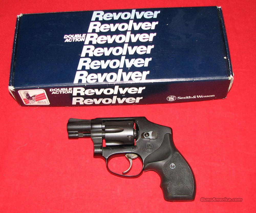 "032 ""The .32 Magnum Centennial Airweight  Guns > Pistols > Smith & Wesson Revolvers > Pocket Pistols"