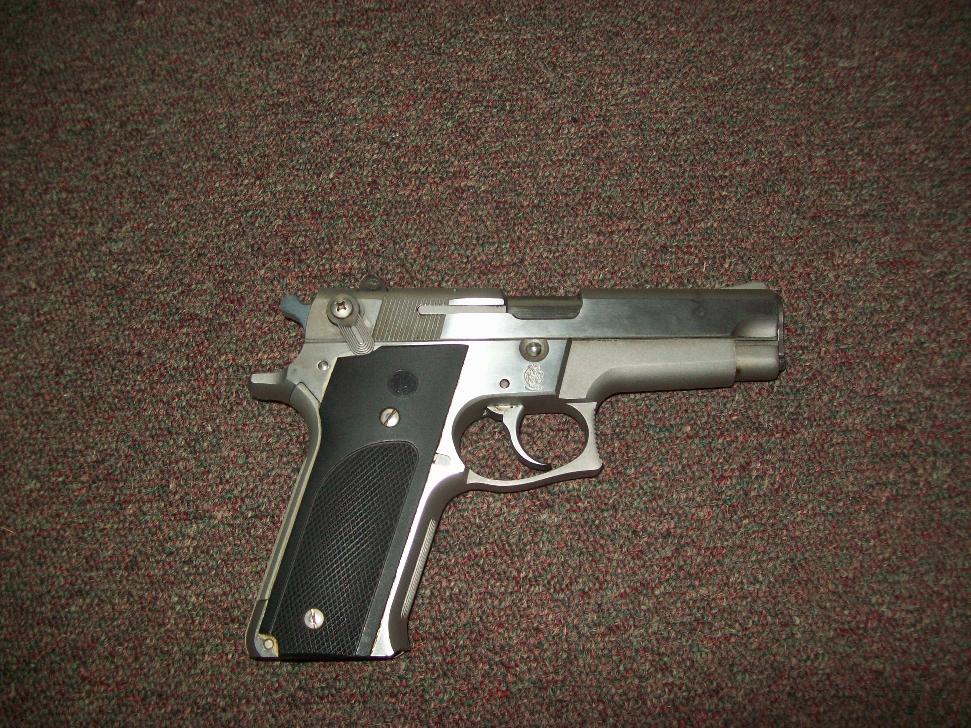 Smith & Wesson-model 659  Guns > Pistols > Smith & Wesson Pistols - Autos > Steel Frame